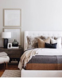 Easy Tips To Decorate Small Master Bedroom With Neutral Color 02