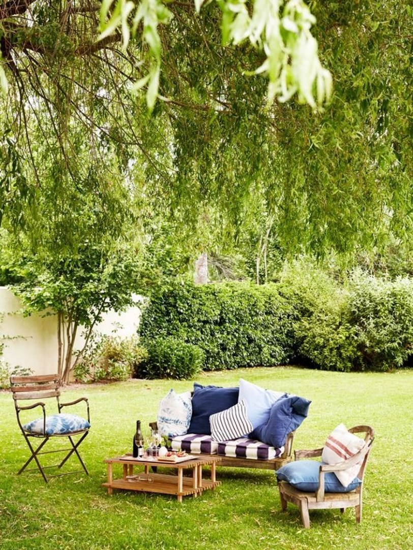Fabulous Seating Area In The Garden 28
