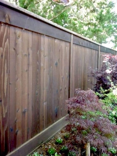 Fabulous Wooden Fences For Front Yard Remodel 28