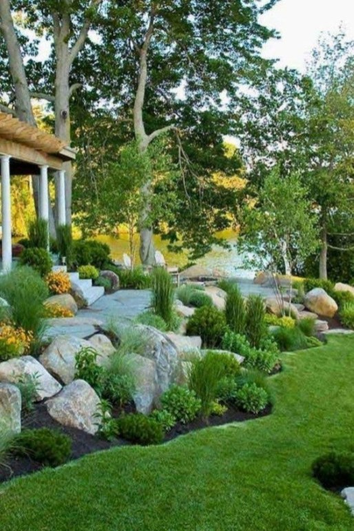 Fantastic Flower Landscape Design Ideas For Front Yard 19