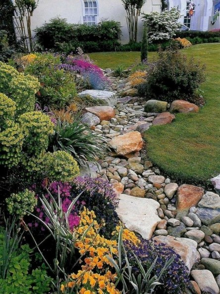Fantastic Flower Landscape Design Ideas For Front Yard 20