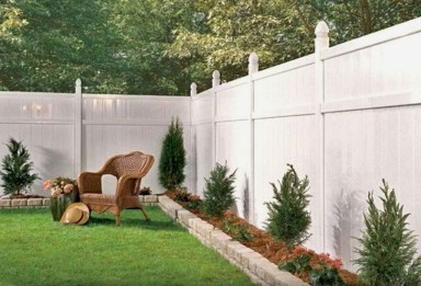 Gorgeous Garden Fences To Beautify Your Backyard 02