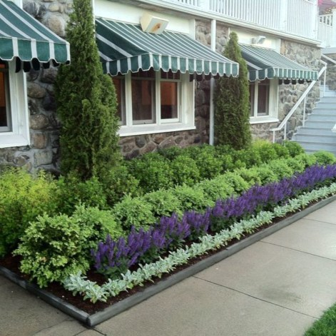 Perfect Bed Garden Design For Your Front Yard 11