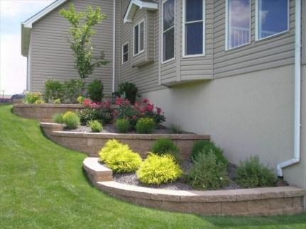Perfect Bed Garden Design For Your Front Yard 22