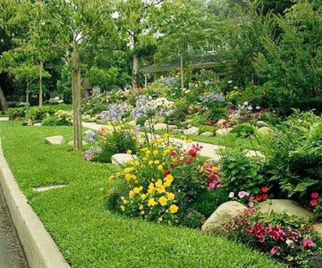 Perfect Bed Garden Design For Your Front Yard 24
