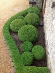 Perfect Bed Garden Design For Your Front Yard 30
