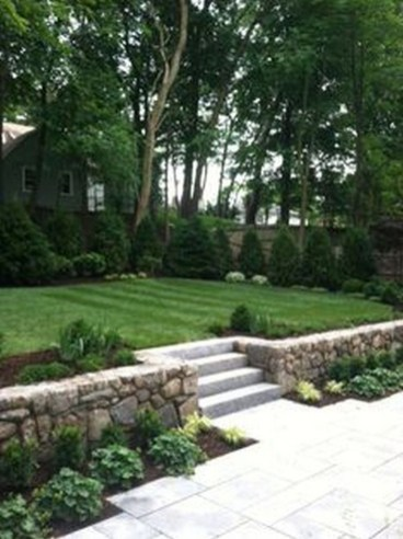 Perfect Bed Garden Design For Your Front Yard 40