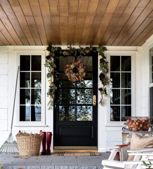 Perfect Front Porch Decoration For Fall 10