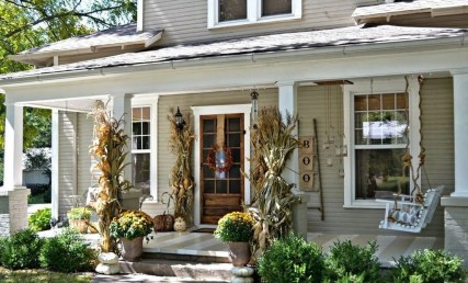 Perfect Front Porch Decoration For Fall 18