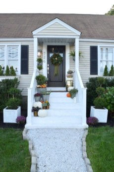 Perfect Front Porch Decoration For Fall 26