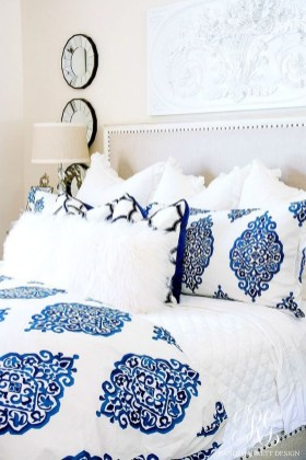 Simple And Cheap Summer Decor For Your Bedroom 08