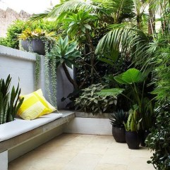 Small Courtyard Design With Some House Plants 01