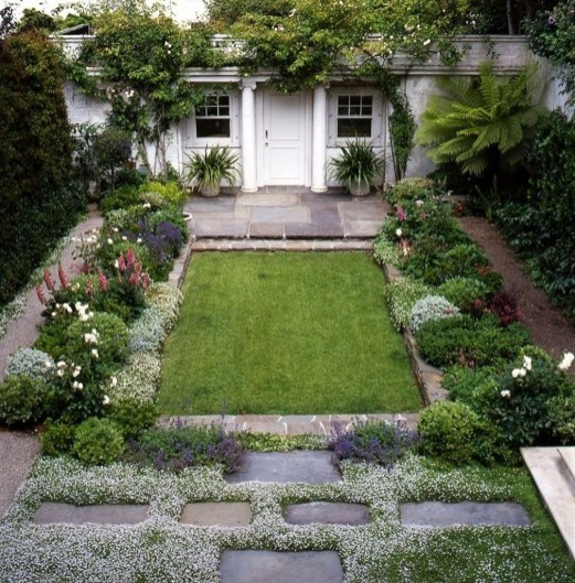 Small Courtyard Design With Some House Plants 36