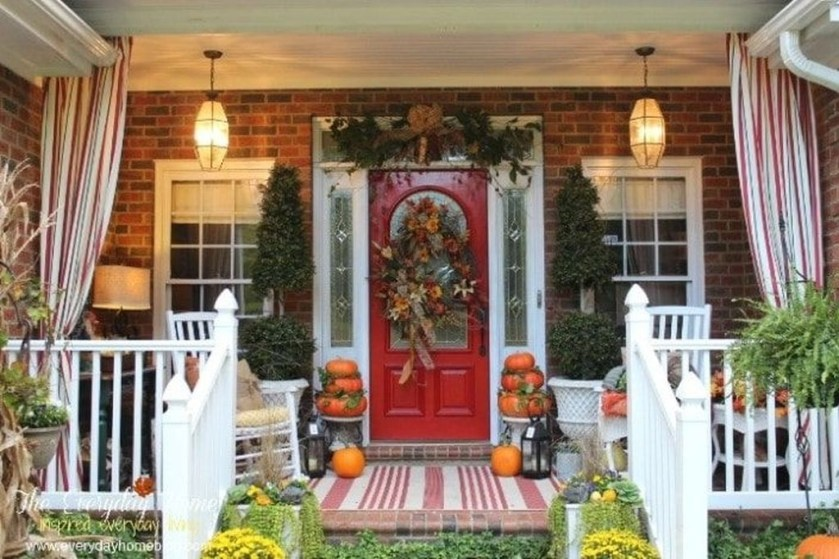 Stunning Fall Front Porch Decoration To Inspire Yourself 09