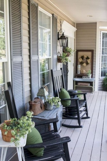Stunning Fall Front Porch Decoration To Inspire Yourself 13