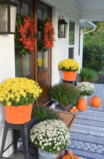 Stunning Fall Front Porch Decoration To Inspire Yourself 31