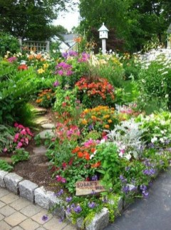 Beautiful Flower Garden Idea You Can Try 20