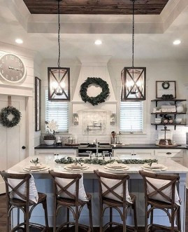 Farmhouse Kitchen Decorating Ideas With Wooden Cabinet 18