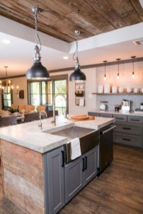 Farmhouse Kitchen Decorating Ideas With Wooden Cabinet 21