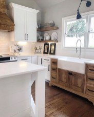 Farmhouse Kitchen Decorating Ideas With Wooden Cabinet 30