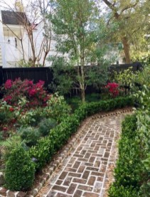 Incredible Edging Garden For Your Front Yard 27
