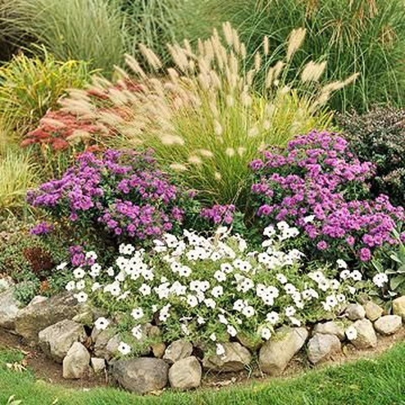 Lovely Fall Garden Idea With Perfect Ornaments 17