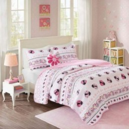 Lovely Small Bedroom Decor With Pink Nuance 24