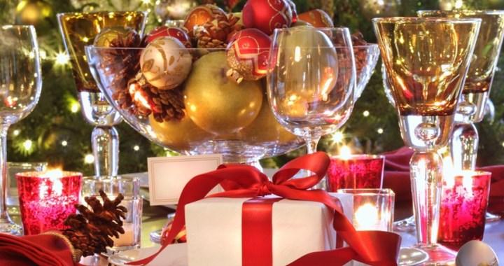 Julegave foran et tre