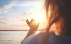 Yengeç Burcu Olanlar Dualarınıza Dikkat Edin Gerçekleşebilir!