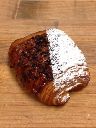 Chocolate croissant w/ Cocoa Nibs