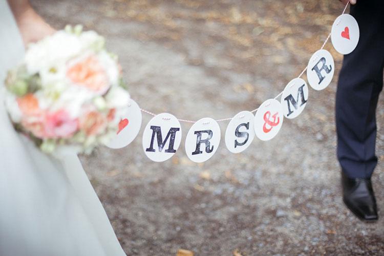 MRS  MR Girlande fr eine Vintage Hochzeit  renna deluxe