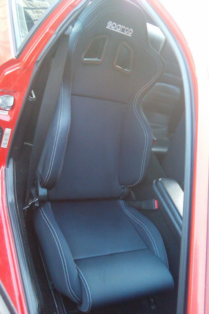 Looking for a vinyl racing seat  Rennlist  Porsche