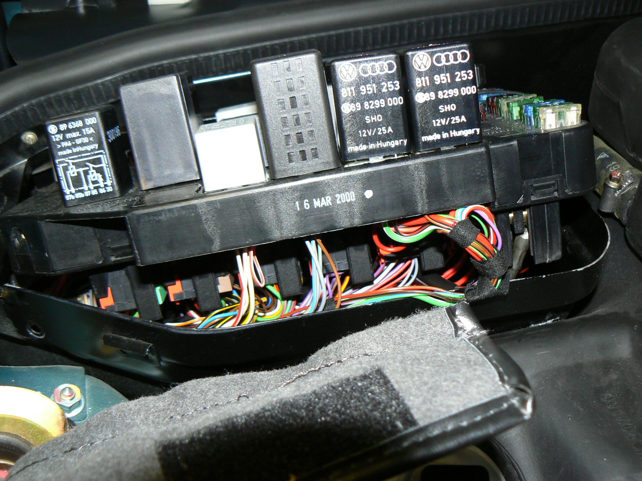 hight resolution of 96 993 fuse box what is this wire rennlist porsche discussion