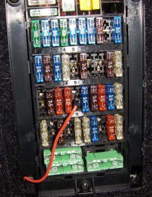 Fusebox  where to tap for an extra circuit?  Rennlist  Porsche Discussion Forums