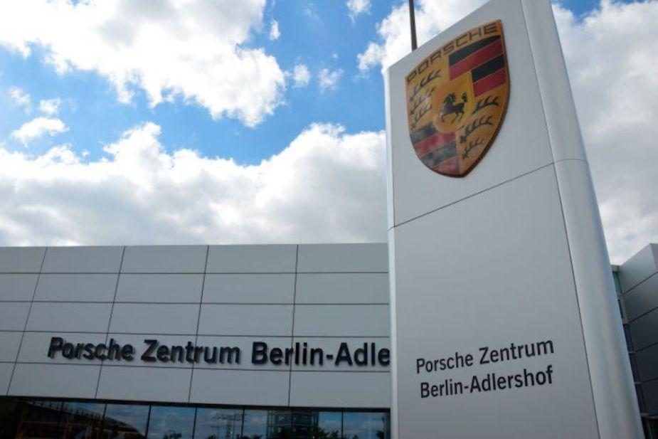 Porsche Zentrum Building