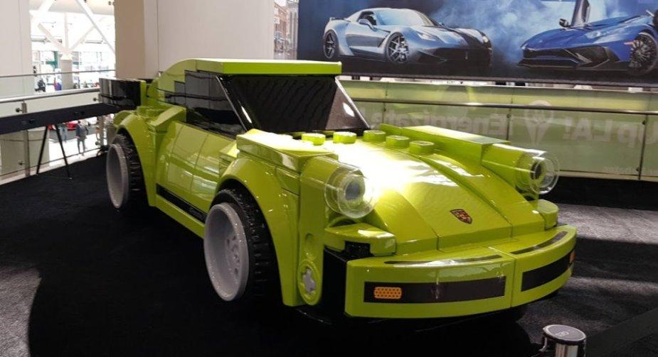 Lego Porsche 911 Turbo 3.0 Wide
