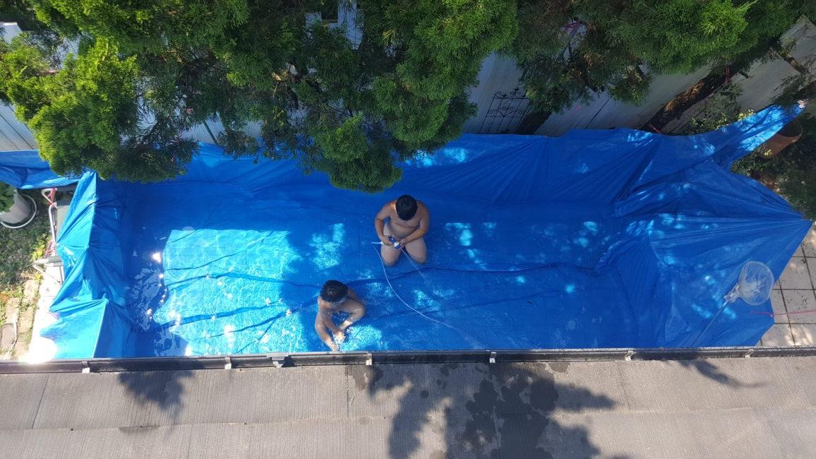 ブルーシートで作る子供プール