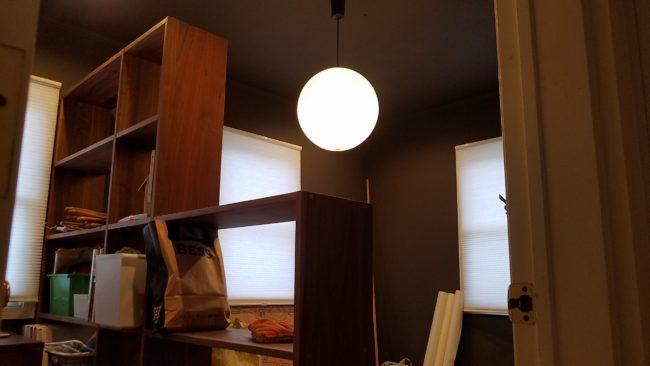 家具を使って間仕切り壁設置