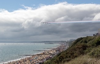 Icon Shot - Red Arrows over Bournemouth Beach - ISO200, F6.3, 1/1600 sec