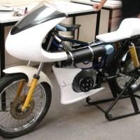 Moto con motor de aire comprimido