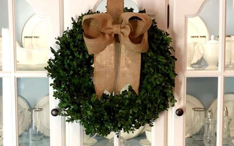 How to Know Whether to Buy or DIY Home Decor {How To Make a Boxwood Wreath}