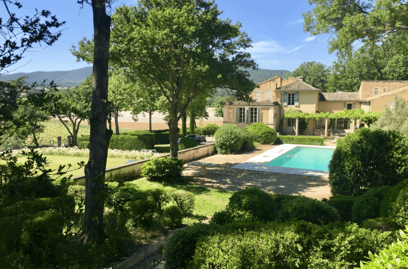 Luberon villages Provence France Rent-Our-Home rentourhomeinprovence Lourmarin chateau