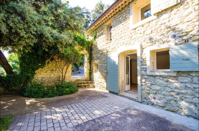 Luberon villages Provence France Rent-Our-Home rentourhomeinprovence Lourmarin Nouveau Roucas