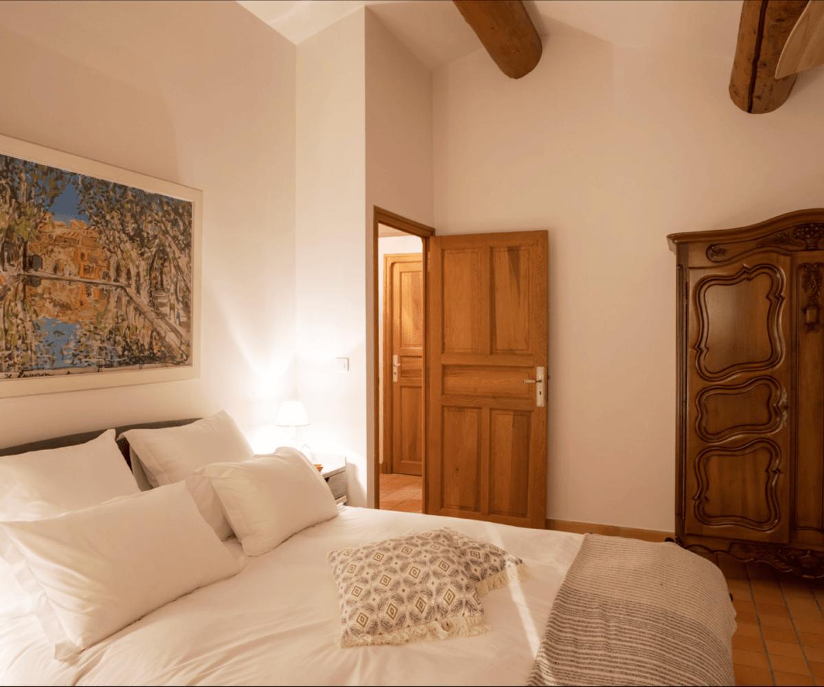 Luberon villages Provence France Rent-Our-Home rentourhomeinprovence Lourmarin Maison du Village