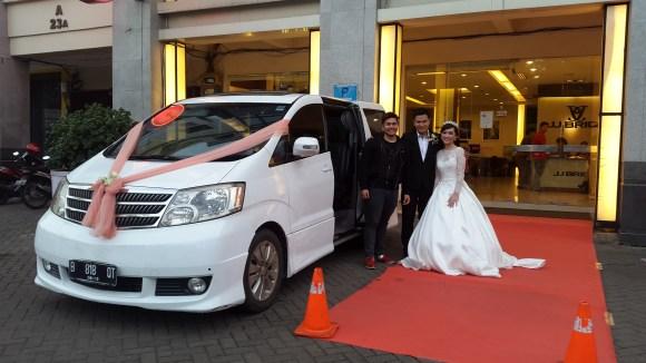 sewa mobil pengantin mewah alphard dan decor di jakarta paling murah