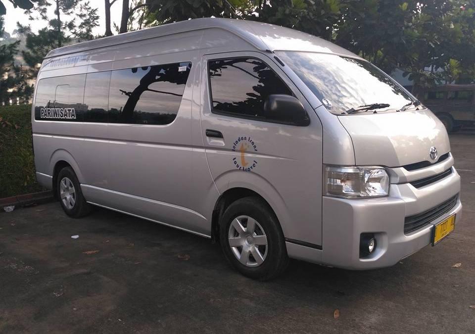 Liburan ke Bandung, Paling Nyaman Menggunakan Hiace Commuter