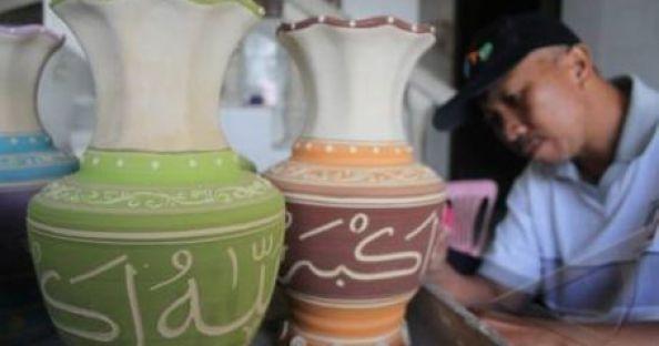 Sentra-kerajinan-keramik-dinoyo-2