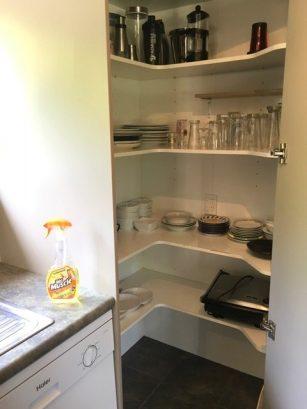 14 Frye kitchen3