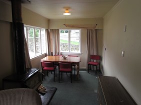 5 Dublin Street Living Area a Rent A Room Queenstown