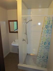 6a William Street (Down) Queenstown Rent A Room Bathroom c